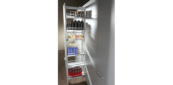 Pull-out larder cupboard