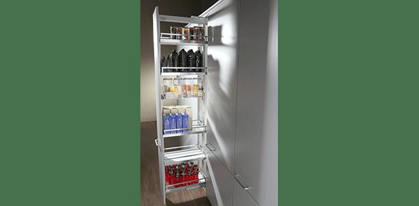 Pull-out larder cupboard