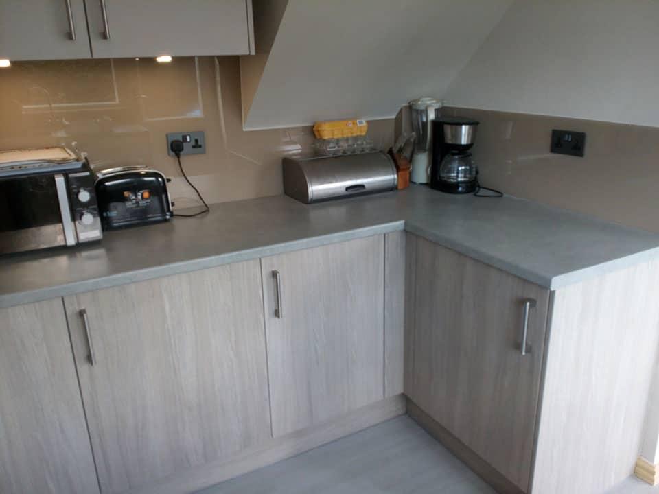 Low-level kitchen units