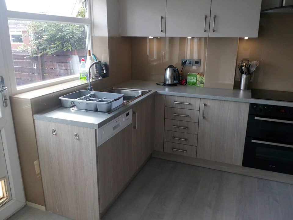 Fitted kitchen Waterhead, Oldham